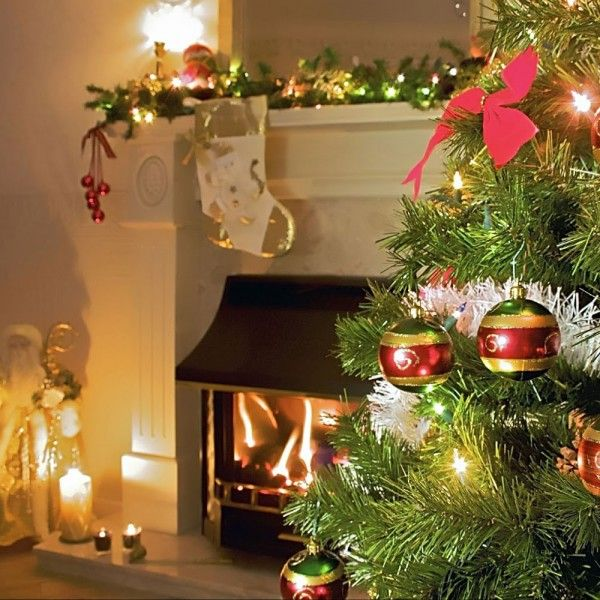 Best Artificial Christmas Tree http://www.buynowsignal.com/artificial-christmas-tree/best-artificial-christmas-tree/