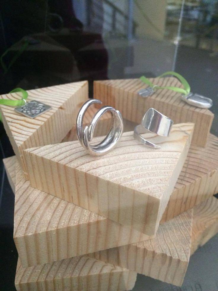 Algunas piezas terminadas de Alumnos ITESM creadas con Plata Moldeable de Art Clay