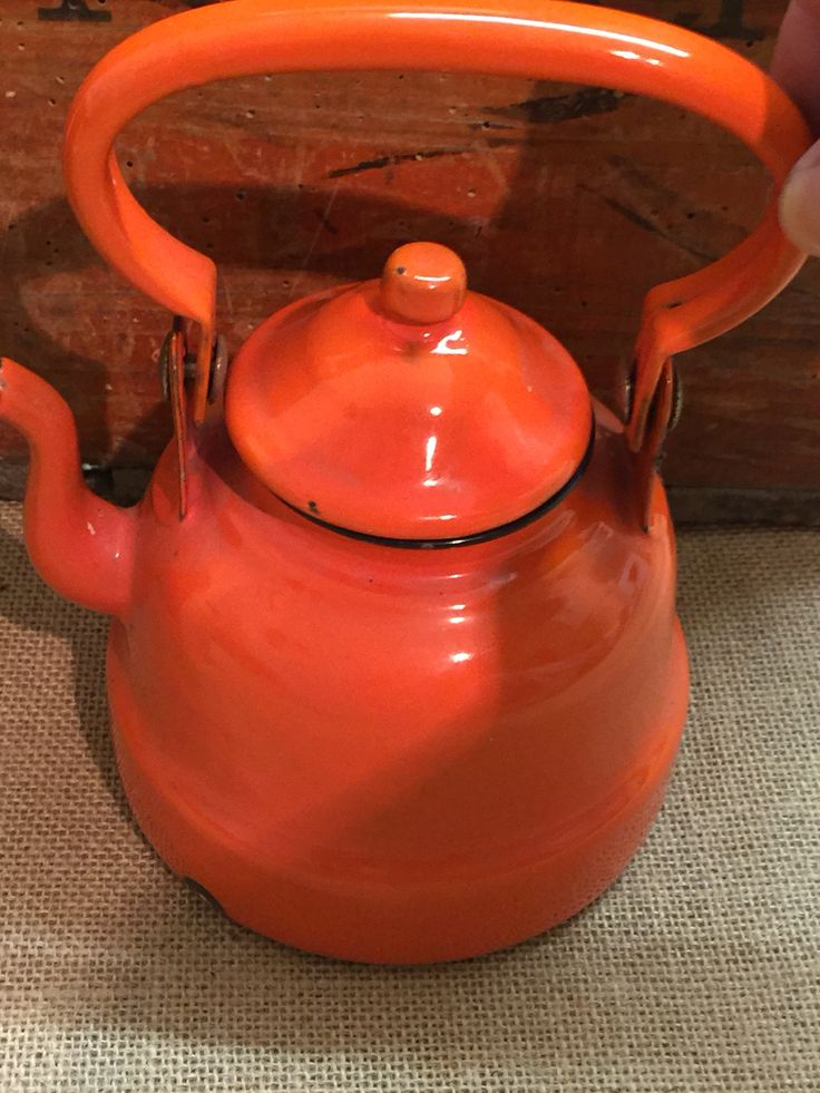 Vintage Retro Orange MidCentury 1 Pint Coffee Pot .... £22 with Free P&P ... Email: info@thecuriositycave.co.uk  #CoffeePot #Coffee #OrangeCoffeePot #Vintage #Enamel #Kitsch #Enamelware ShabbyChic #OrangeEnamelCoffeePot #Retro #TheCuriosityCave #Cheshire