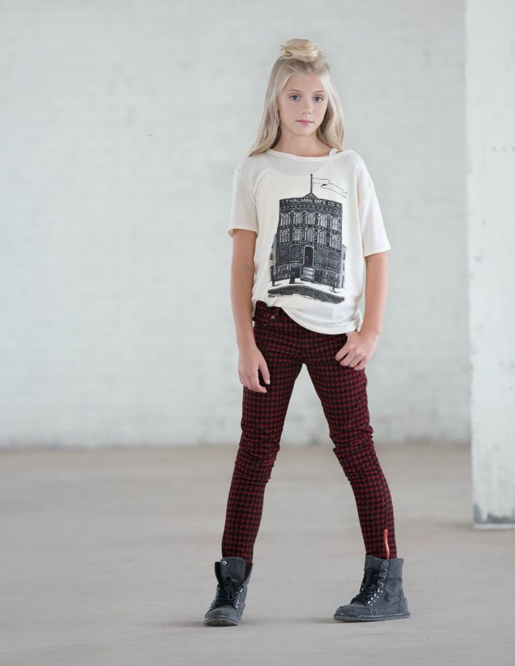 Shop our jeggings, skinny, destructed, high waist, and bootleg styles. Find jeans for teen girls and women when you shop the Aeropostale collection. Aeropostale.