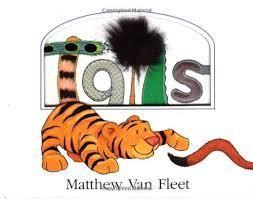"""Cuento en inglés - Tails by Matthew van Fleet. Este cuento en inglés está dirigido a niños desde 0 años y hasta por lo menos los 6 años, si no más.  Es uno de los cuentos más trillados en nuestra biblioteca. Se trata de un cuento """"touchy-feely"""" (tocar y sentir), donde descubrimos los diferentes tipos de colas que tienen los animales salvajes."""