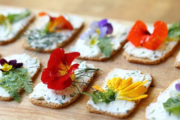 Flores comestibles - http://www.espores.org/es/ocio-verde/inspiracio-natural-diy-amb-flors-comestibles.html