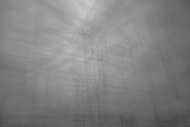 """Artista: Simon Rowe, """"Este sistema"""", fotografía digital impresa a blanco y negro, 2014."""