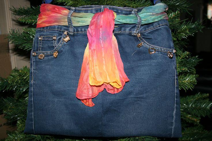 Umhängetaschen - Jeanstasche Rainbow, blau, Umhängetasche - ein Designerstück von Angelas_Kreativwelt bei DaWanda
