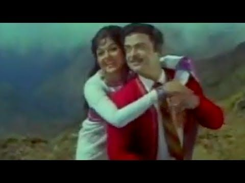 Gemini Ganesan & Bharati in Unidathil Yennai Kuduthen - Avalukendru Oru ...
