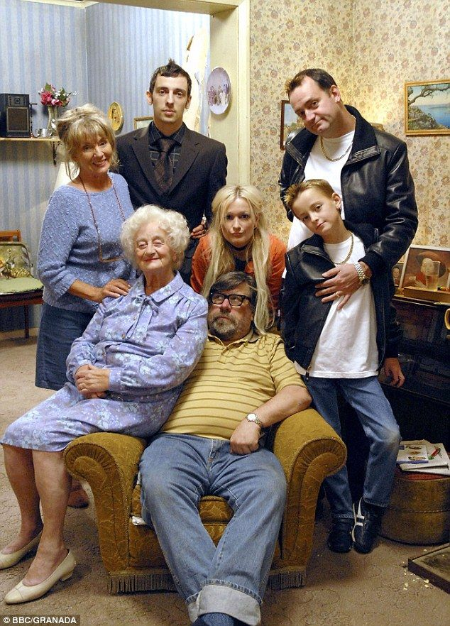 Caroline and her Royle Family cast:  The Royle Family: Sue Johnston, Ralf Little, Craig Cash,  Liz Smith, Caroline Aherne (centre), Harry Ca...