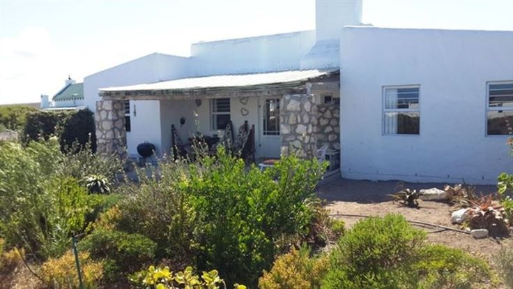 Seeperdjie - Beautifully furnished in a chic-coastal style with beamed ceilings, rough brick walls, and smooth cement floors, Seeperdjie offers self-catering accommodation in the picturesque seaside town of Jacobs ... #weekendgetaways #jacobsbay #southafrica