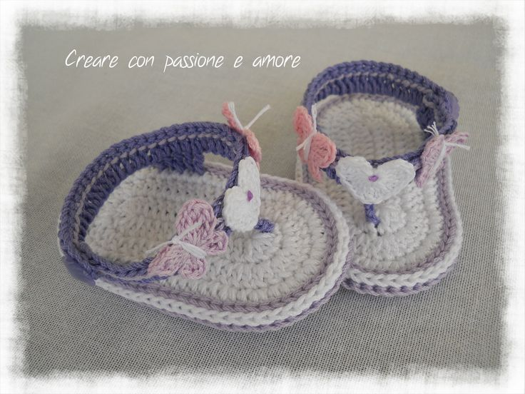 Infradito bimba ad uncinetto by https://www.facebook.com/creareconpassioneeamore/ … … #crochet #handmade #baby #babyshoes #lemaddine