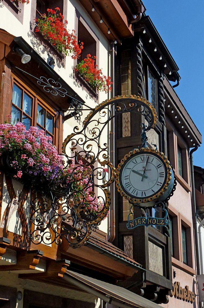 Elzach im Schwarzwald, Zunftschild eines Uhrmachers