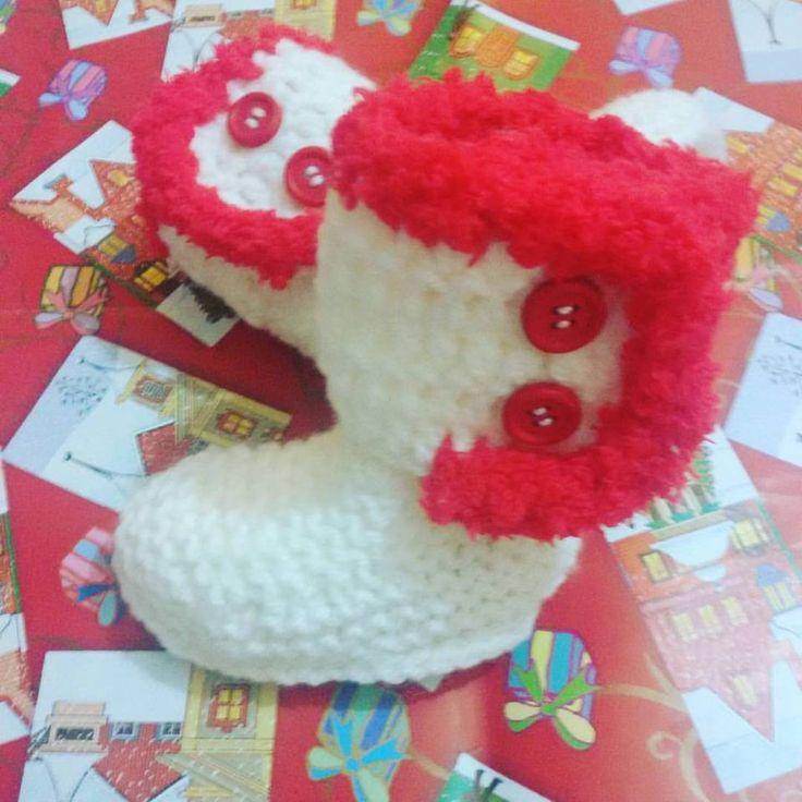 Scarpette-stivaletti stile Ugg neonato crochet Natale : Moda bebè di coccoledilana