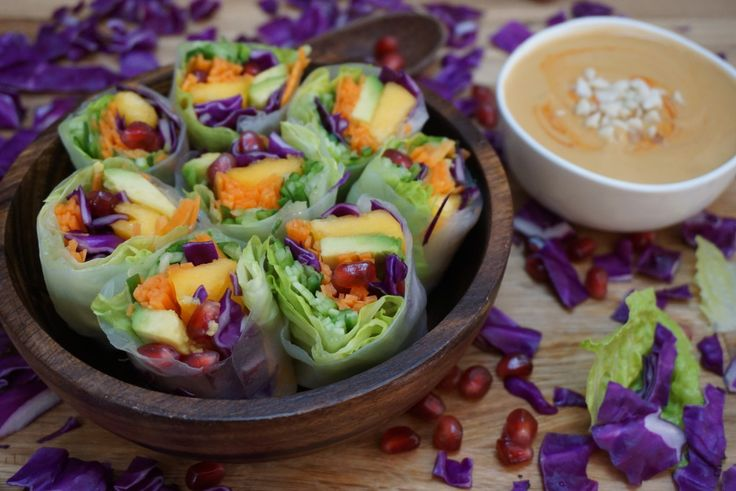 Rice Paper Rolls with Spicy Peanut Sauce