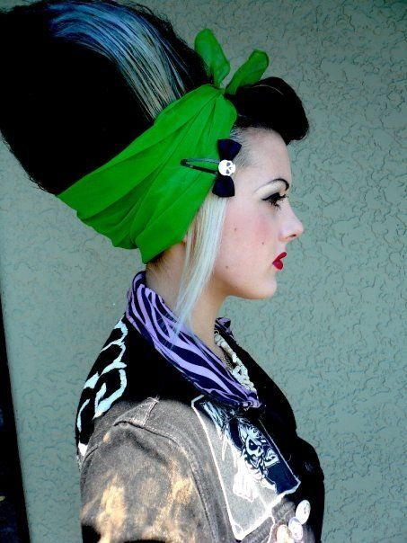 Psychobilly hair! Bride of Frankenstein updo. Bo and I gotta dress up as a psycho Frankenstein and Bride of Frankenstein this year! <3