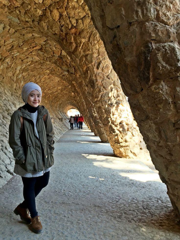 Spring break in Barcelona #hijabstyle #parka #turban #hootd