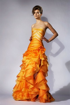 this is what the fire dress in the hunger games movies should have looked like!