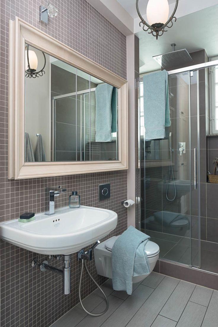 Apartament na Mokotowie – łazienka. Foto: Rafał Nebelski | tryc.pl #bathroom #łazienka #mirror #interiors