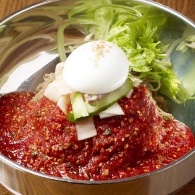 こんにちは! 鋳物焼肉3136です(#^.^#) 金曜ですね! 今日のランチはお決まりですか? ランチはお得なセットメニューです! おかずやキムチ、スープも付いてボリューム満点! 11:30〜ランチ始まります♪(๑ᴖ◡ᴖ๑)♪ #六本木 #完全個室 #鋳物焼肉 #焼肉 #表参道 #姉妹店 #韓国料理 #個室 #肉フェス #同伴 #個室焼肉 #隠れ家 #マッコリ #大江戸線 #yakiniku #韓国 #ハラミ #肉  #ユッケジャンスープ #石焼ビビンパ #サーロイン #イチボ #カルビ #ロース #ナムル #黒毛和牛 #冷麺 #厳選素材 #ランチ #ディナー