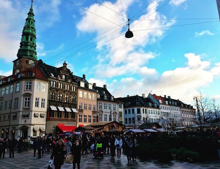 "'Tis the season to explore Copenhagen's Christmas markets or ""Julemarked""  #copenhagenlife #copenhagen #christmas #christmasmarket #julemarked #jul #findroommate"