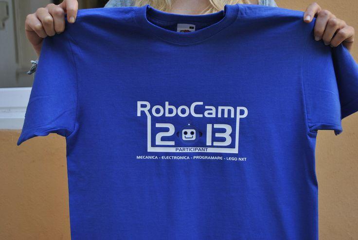 Robotii si tricourile personalizate
