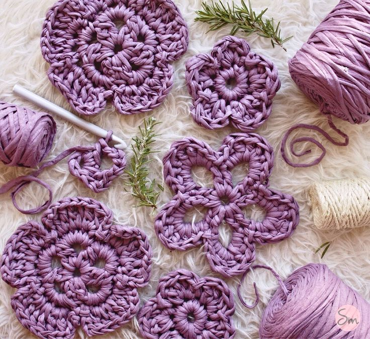 136 best macrame images on pinterest crocheted flowers for Modelos de alfombras