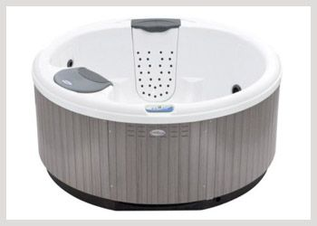 Bullfrog 151R The Model 151R Round Hot Tub offers a very open seating plan that is perfect for socializing with friends and family. The 151R is a modern hi-tech spa with traditional styling that is reminiscent of classic Japanese or California redwood hot tubs. #WheatlandFireplace #BullfrogSpas
