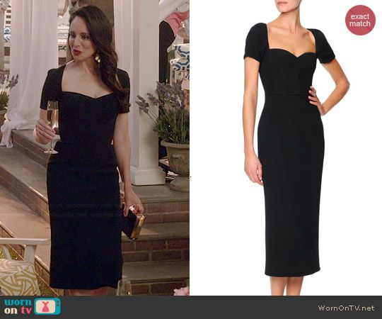 Victoria's black sweetheart neck dress on Revenge.  Outfit Details: http://wornontv.net/44692/ #Revenge