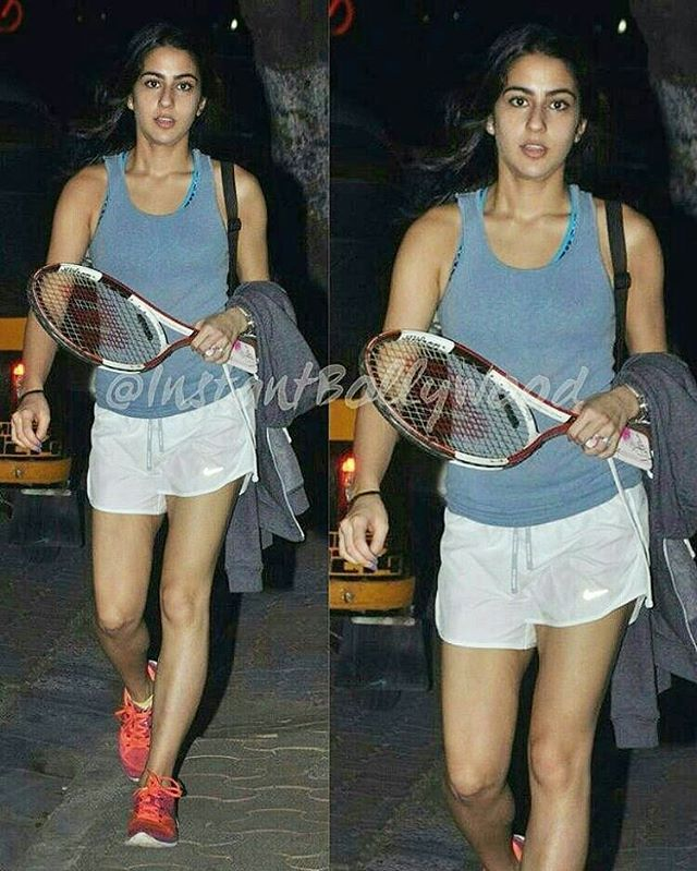Saif Ali Khan & Amrita Singh's daughter Sara Ali Khan returned to Mumbai recently. She was snapped playing tennis with Daddy Saif & Brother Ibrahim yesterday. She is one beautiful young lady. @Bollywood ❤❤❤ . #saifalikhan #kareenakapoorkhan #kareenakapoor #arjunkapoor #saraalikhan #imrahimkhan #amritasingh
