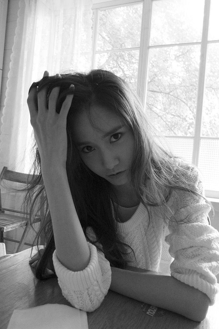 Yoona iSVC0aN1VtgYK.jpeg
