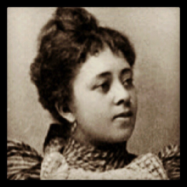 #CharlotteRay was the first woman to graduate from the #HowardUniversity School of Law in 1872. Ray was admitted to the District of Columbia Bar the same year where She began her independent practice of commercial law which she advertised in a newspaper called New National Era and Citizen owned by #FrederickDouglass. She was the first women allowed to practice and argue in the #SupremeCourt in Washington D.C. Contrary to popular belief, Charlotte E. Ray was active in court and can be heard in her pleading for the Galdey vs. Gadley case, June 3. 1875 #BlackHistoryMonth #BlackHistoryFacts #TodayInBlackHistory #OnThisDayInBlackHistory – @divostarr- #webstagram