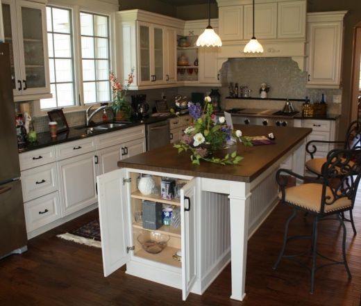 L Shaped Kitchen Island Kitchen Traditional With Apron: L-shaped Kitchen: Fridge On Opposite Side Of Sink