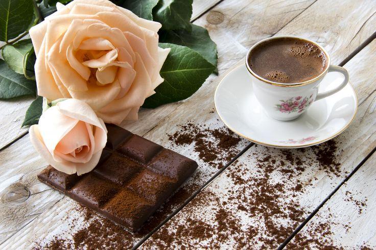 Обои Розы Кофе Шоколад Чашка Доски Блюдце Еда Цветы Картинка #507511 Скачать