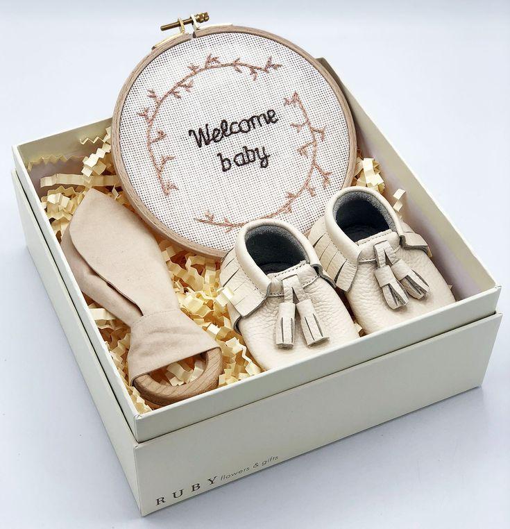 Unisex presents unisex hamper Unisex personalised present Unisex gift box Newborn hamper Baby gift Newborn gift box