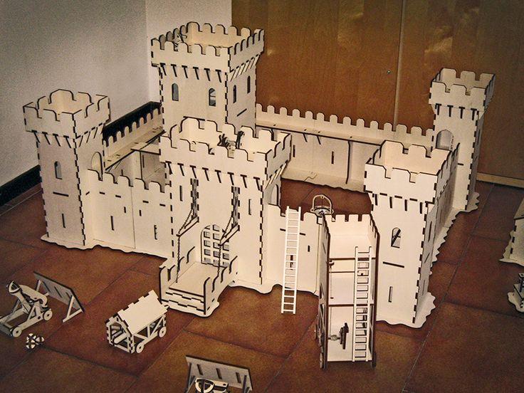 Room size castle / medieval battle.  Andrea Garuti.