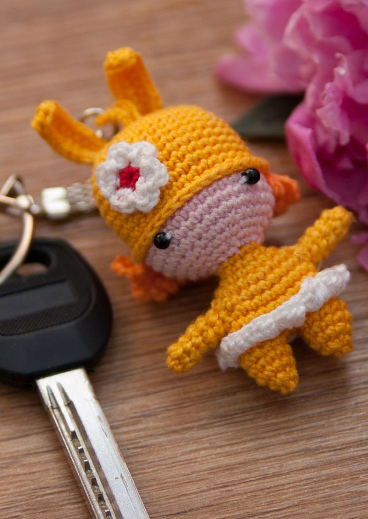 Amigurumi Bunny Keychain : The 86 best images about DIY Clauers on Pinterest ...
