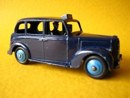 Antiguo coche de hojalata: Car, Old Toys, Antiguo Coche, Vintage Cars, Coch Old, Jouet Ancien, Red Tea