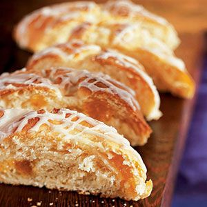 Apricot-Cream Cheese Bread: Sour Cream, Cheese Breads, Apricotcream Chees, Chees Breads, Cooking Light, Cream Cheese Danishes, Apricot Cream Cheese Braids, Braids Recipe, Apricot Cream Chees Braids