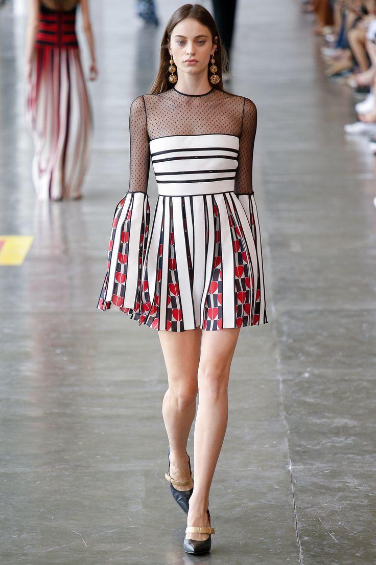 http://www.vogue.com/fashion-shows/sao-paulo-fall-2016/reinaldo-lourenco/slideshow/collection