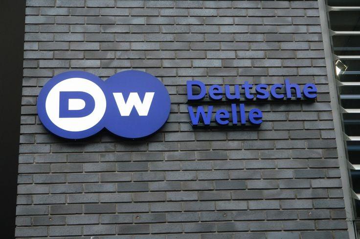 Deutsche Welle: Προβληματισμός και πολιτικές ανακατατάξεις(;) στην Γερμανία. Τοίχος στην Λετονία!