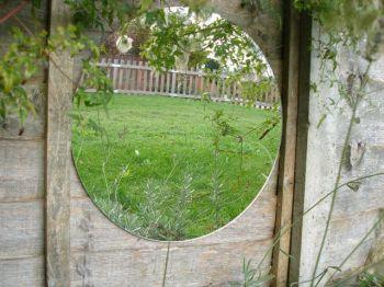 miroir de jardin circulaire en acrylique reflect cot. Black Bedroom Furniture Sets. Home Design Ideas