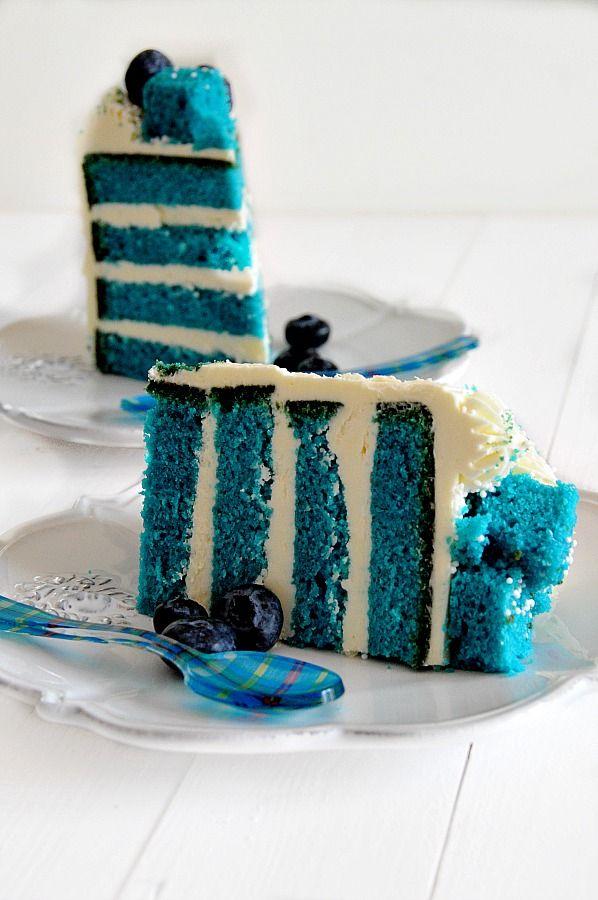 Cocina de Revista: BIZCOCHO TERCIOPELO AZUL/ Cooking Magazine - Blue Velvet Cake Recipe. American Recipe. Layer Cake