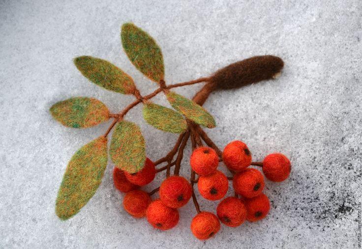 """Купить Брошь валяная """"Рябинка"""" - ярко-красный, брошь, Рябина, брошь-рябина, Рябинка, ягоды"""