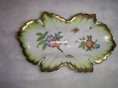 Herend Queen Victoria dish with small flowers and butterly