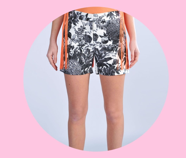 SHOP Stella Mc Cartney  http://www.dipierrobrandstore.it/product/1889/Pantaloncino-stampa-floreale-bianco-nero.html