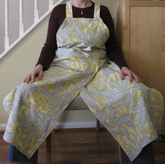 Awesome pottery apron for sale. Would be great for basket weavers too!