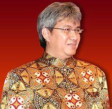 Oleh: Denny JA, Pendiri Lingkaran Survei Indonesia Spirit mengalahkan Ahok itu sehat untuk demokrasi. Namun spirit mendongkel Jokowi itu