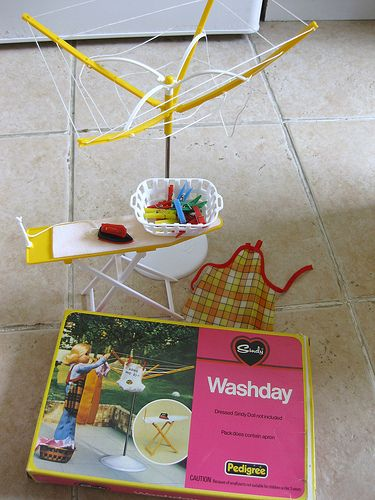 Vintage Sindy Wash Day Set by Pedigree - Love the clothesline!