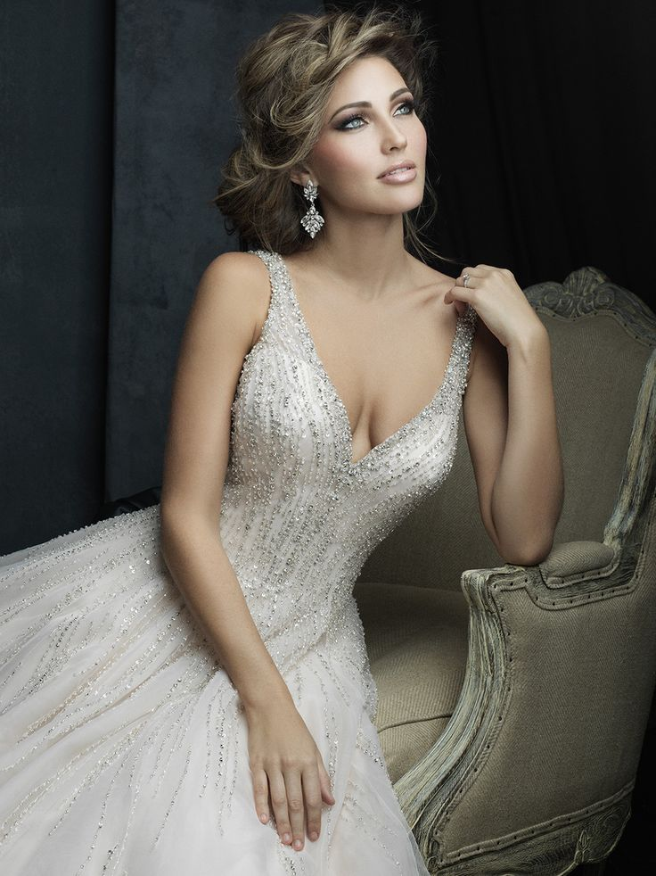 Bridals by Lori - Allure Couture Bridals 0131484, In store (http://shop.bridalsbylori.com/allure-couture-bridals-0131484/)