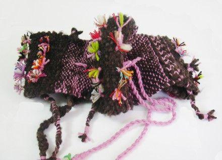 Cuello tejido en telar, incluyendo técnica de torzal