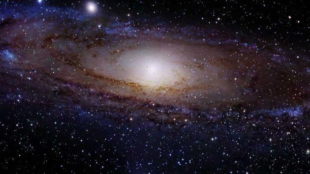 Dopo il Big Bang la materia ha preso il sopravvento sull'antimateria, e perciò noi esistiamo: perché è successo? Un esperimento dell'LHC apre uno spiraglio su questo mistero.