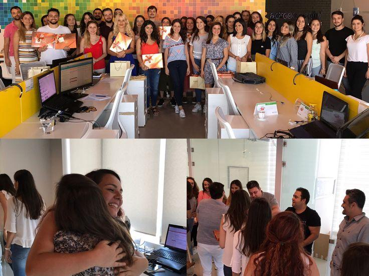 Geleneksel AdresGezgini bayramlaşmasıyla bayram hediyelerimizi Kurucu Ortaklarımız Dr. Bora Mocan, Şükrü Ozan ve Yazılım Geliştirme Müdürümüz Mahir Sümer'in elinden alan AdresGezgini çalışanları olarak Kurban Bayramı'na neşeli bir merhaba dedik.