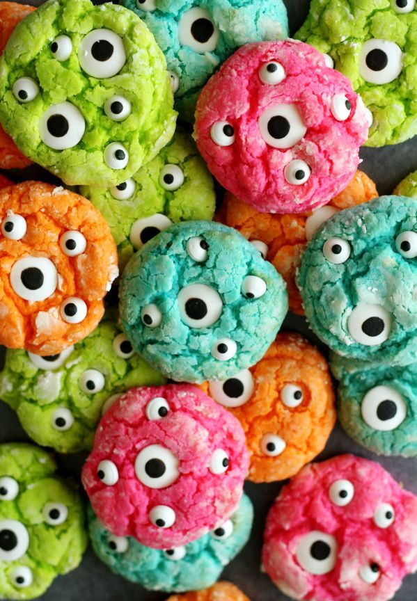 Gooey Monster Cookie – Best Cheap Halloween Party Food For Kid & Snack To Work - HoliCoffee (3)